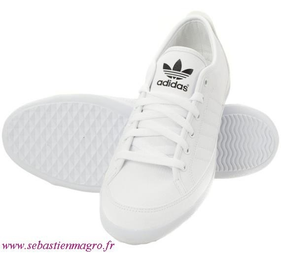 basket toile blanche femme adidas