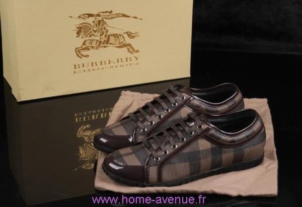 909d6ef79593 C est le rêve pour beaucoup de gens, qu ils soient sans travail, fatigués chaussure  femme burberry ...